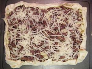 torta salata ricetta verza salsiccia caciocavallo nero d'avola